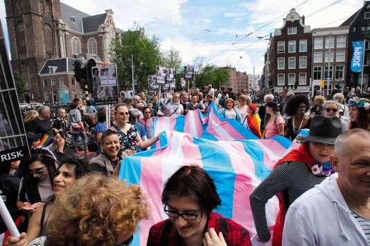 Diversité : Amsterdam veut gommer la notion de genre et n'entend plus parler d'« homosexuels », mais de « personnes roses »