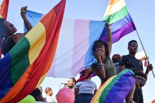 Fierté namibienne : des dizaines de personnes pour célébrer la première Pride à Windhoek (VIDEO)