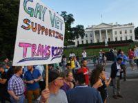 Interdiction des transgenres dans l'armée américaine : Des militaires poursuivent Donald Trump en justice