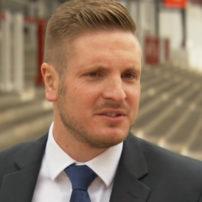 Ryan Atkin : premier arbitre de football professionnel « ouvertement gay » en Grande-Bretagne (VIDEO)