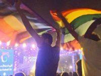 Égypte : deux jeunes accusés d'avoir brandi un « drapeau arc-en-ciel », libérés sous caution