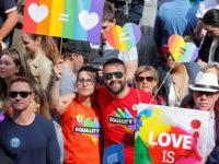 Mariage pour tous : Les Australiens manifestent solidaires, avant un vote postal sur sa légalisation (VIDEO)