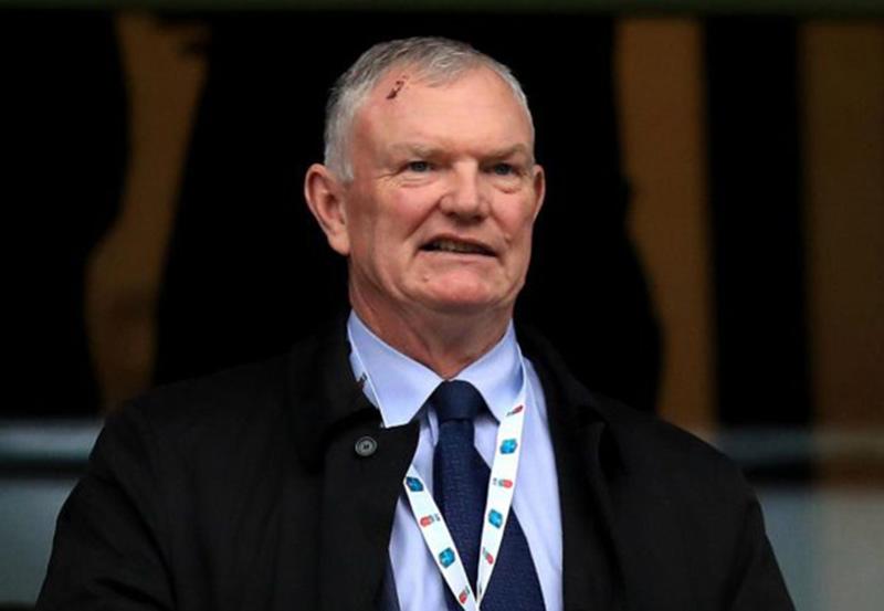 « Je ne perdrai pas mon poste pour une putain d'égalité », Greg Clarke, président de la Fédération anglaise de football (FA)