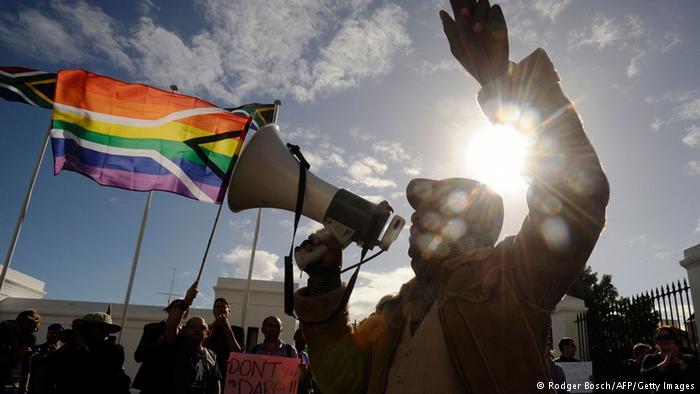 Tanzanie : 12 personnes accusées d'homosexualité, arrêtées dans un hôtel de Dar es Salaam