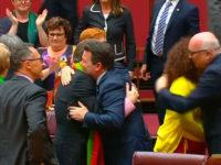 Le Sénat australien adopte le projet de loi « Mariage pour tous », malgré l'opposition des conservateurs