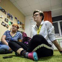 Russie : Un premier « refuge » pour jeunes LGBT, en attente d'un avenir meilleur à l'étranger (VIDEO)