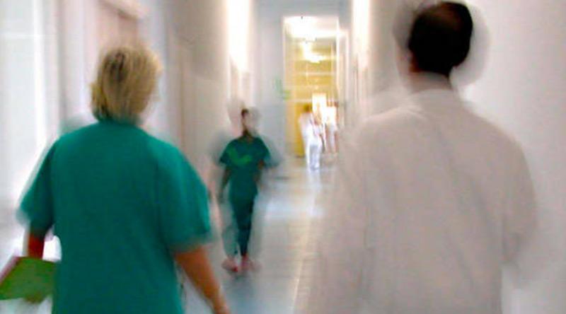 Une personne intersexe dépose plainte contre les médecins qui l'ont opérée durant l'enfance