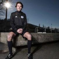L'arbitre de Super League Pascal Erlachner fait son coming-out : une « première dans le football d'élite en Suisse »