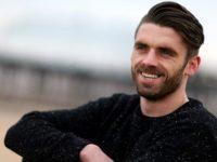 UEFA : « Pour les homosexuels, jouer au football devrait aller de soi », Liam Davis pour la campagne « Equal Game » (VIDEO)