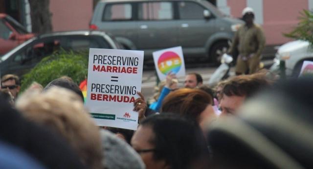 Volte-face des Bermudes sur la légalisation du mariage pour tous, six mois après son adoption par la Cour suprême