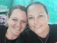 Afrique du Sud : Six hommes et deux femmes jugés pour le meurtre d'un couple de lesbiennes (VIDEOS)