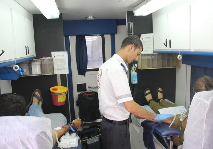 Historique : Israël ouvre le don du sang aux hommes gays et bisexuels, sans condition d'abstinence