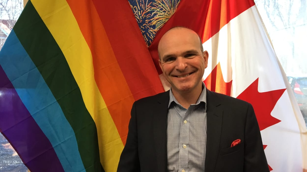 Le Canada, « à la pointe sur les questions LGBTQ2 mais il reste du travail », Randy Boissonnault (VIDEO)