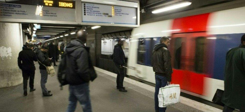 Un couple d'adolescentes agressé en bande dans le RER A : « Putain de lesbiennes, vous baisez ? »