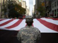 Une première recrue transgenre rejoint l'armée américaine, la Maison Blanche peaufine ses directives