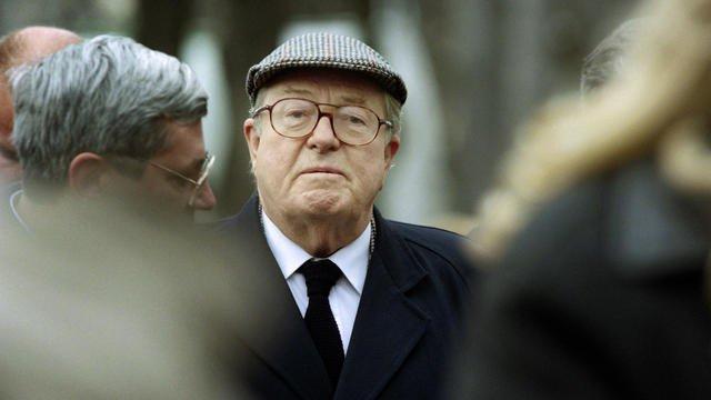Jean-Marie Le Pen se défend d'être homophobe, « d'ailleurs la plupart de mes collaborateurs sont homosexuels »
