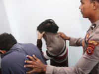 Indonésie : Quatre personnes accusées de relations « homosexuelles » risquent 100 coups de bâton en public