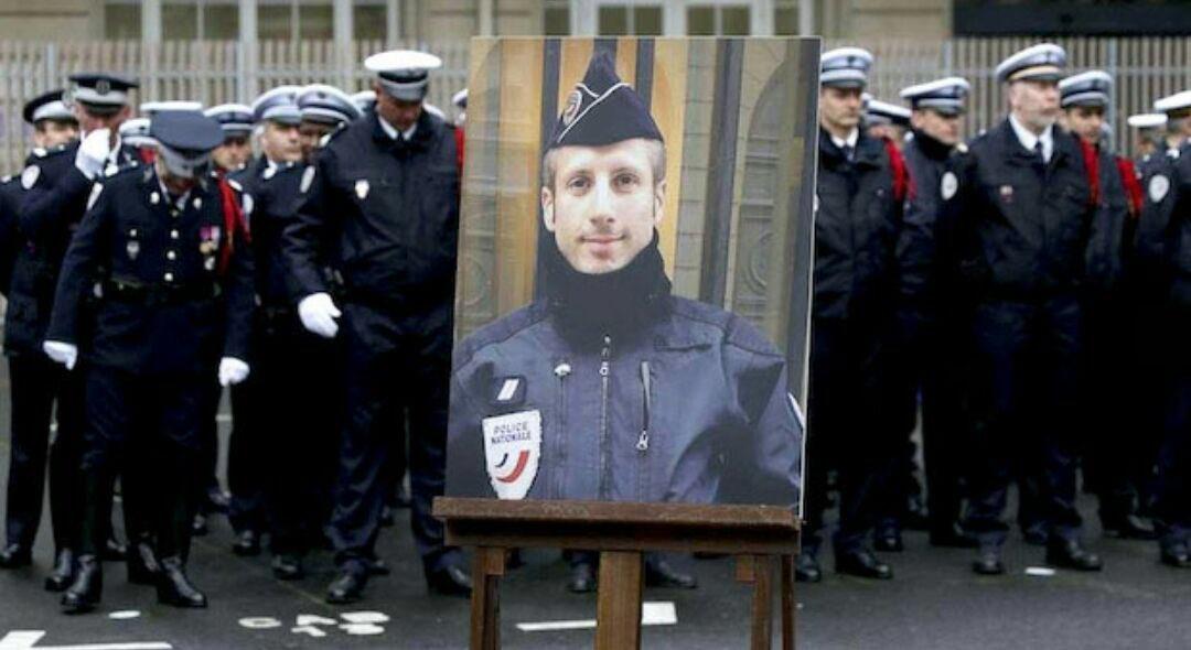 À la mémoire du Capitaine de Police Xavier Jugelé, tué dans l'exercice de ses fonctions, en avril 2017 (VIDEOS)