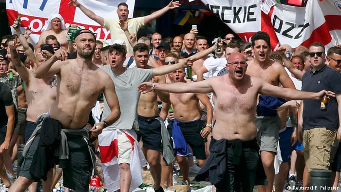 Mondial 2018 : Alerte aux hooligans en Russie, les supporters LGBT menacés de « mort », prévient un Collectif anglais