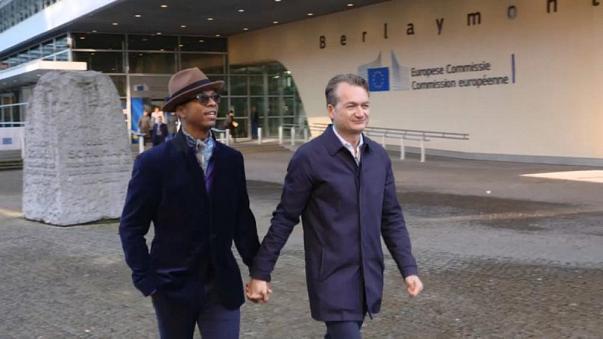 « Les pays de l'UE doivent accorder un droit de séjour au conjoint homosexuel d'un Européen », estime la CJUE (VIDEO)