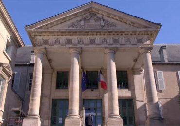 Deux Lettons condamnés à six et douze mois de prison ferme pour l'agression d'un couple gay à Poitiers