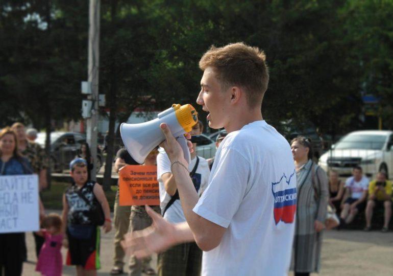 En Russie, Maxim Neverov, 16 ans, condamné pour « propagande homosexuelle » devant des mineurs
