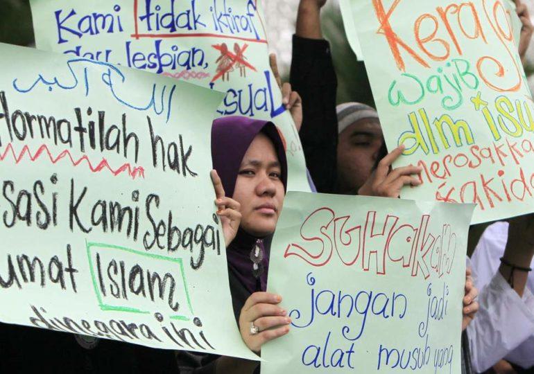 En Malaisie, deux jeunes femmes condamnées pour homosexualité reçoivent six coups de bâton et une amende
