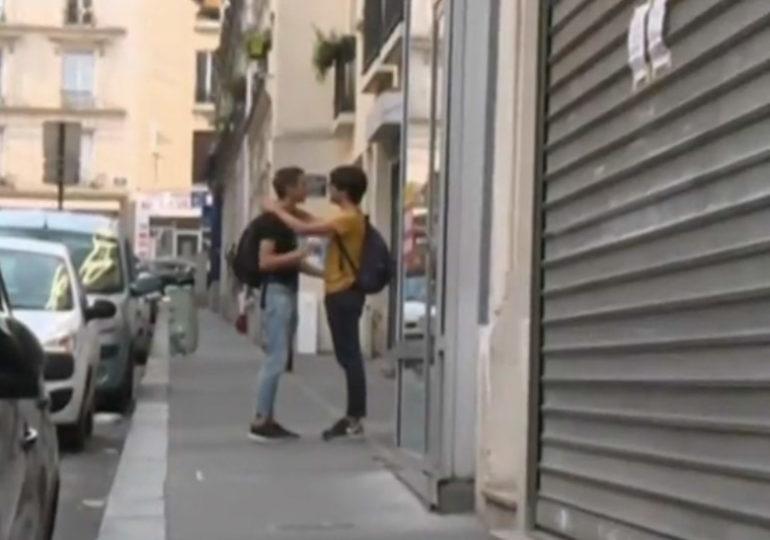 Agression homophobe devant un théâtre parisien : deux frères, dont un mineur de 16 ans, placés en garde à vue
