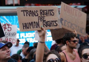 Trump envisage de restreindre la définition légale du genre, pour en faire un état immuable et biologique (VIDEO)