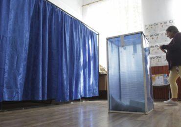Mariage pour tous : les Roumains refusent d'ancrer son interdiction dans la constitution, en boudant un référendum