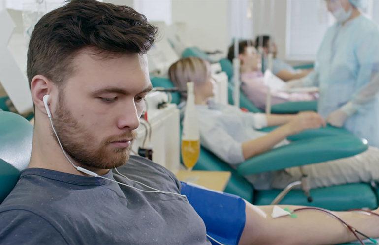 Don du sang pour tous : la durée d'abstinence demandée aux homosexuels s'aligne sur celle des hétéros