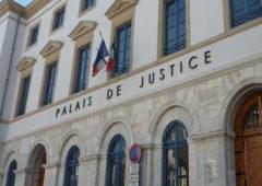 Guet-apens lesbophobe dans la Drôme : deux jeunes femmes agressées parce que présumées « en couple »