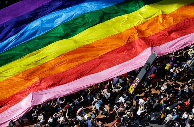 L'ONUSIDA appelle les pays à abroger les lois discriminatoires contre les personnes LGBTI (VIDEO)