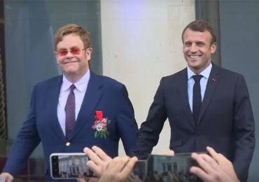 VIH/Sida : Elton John et Emmanuel Macron appellent à « la mobilisation internationale » (VIDEO)