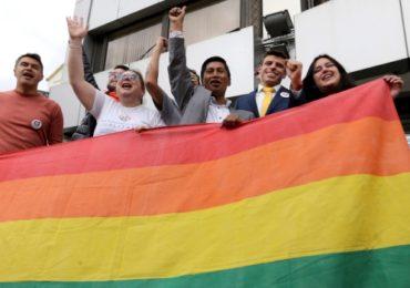 La Cour constitutionnelle d'Equateur approuve le mariage « égalitaire »