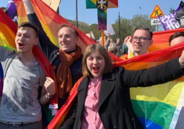 47% des Russes soutiennent l'égalité des droits, selon sondage