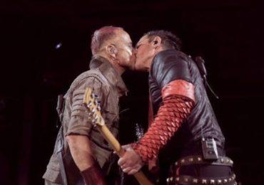Les guitaristes de Rammstein s'embrassent sur scène en Russie (VIDEO)