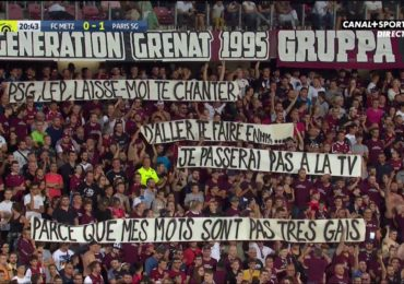 Football : le match Metz-PSG interrompu pour une banderole jugée homophobe