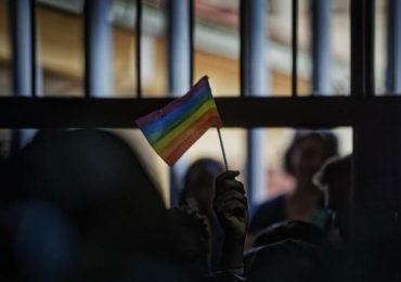 Le Gabon criminalise l'homosexualité