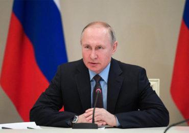 Poutine souhaite introduire la mention de Dieu et l'interdiction du mariage pour tou-te-s dans la Constitution Russe