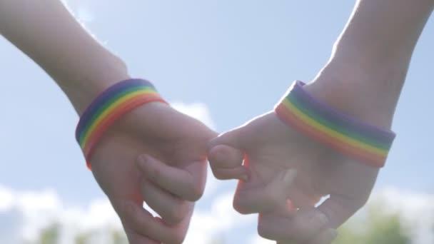 Étude sur les violences intrafamiliales : les filles et les jeunes LGBT sont les plus touchés