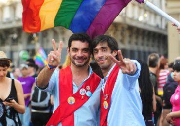 Le Costa Rica, premier pays d'Amérique centrale à ouvrir le mariage à tous les couples