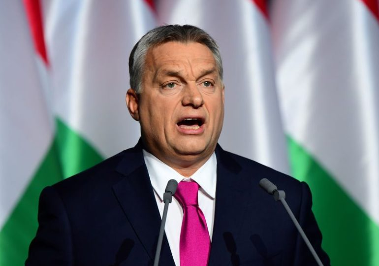 Europe : La Hongrie interdit la reconnaissance des personnes trans et intersexes à l'état civil