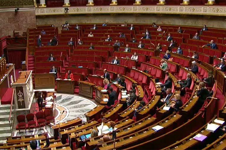 La loi contre la haine en ligne définitivement adoptée par le Parlement