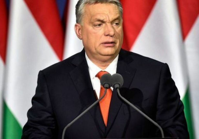 « La mère est une femme, le père est un homme » : quand la Hongrie veut cimenter le « genre » dans la Constitution