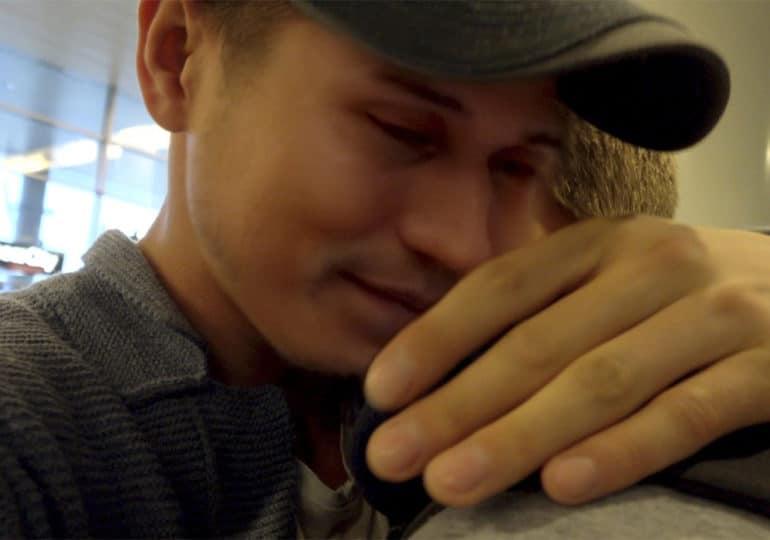 « Bienvenue en Tchétchénie » : un témoignage glaçant sur les persécutions de masse qui frappent les LGBT+ (VIDEO)