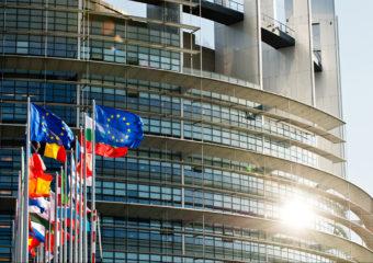 Le Parlement européen réclame une reconnaissance des mariages et unions de couples de même sexe dans toute l'UE